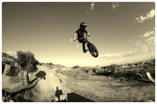 cover facebook + master of dirt + radiobikes + la poma shoot